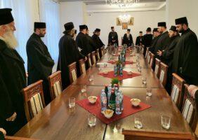 Божићна честитка новосадских свештеника Епископу бачком г. Иринеју