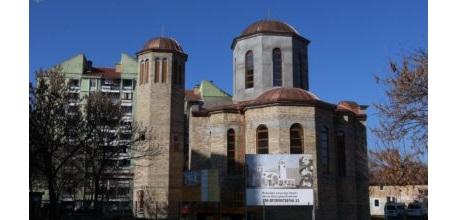 Подигнути крстови на куполе храма Светога Нектарија Егинског у Суботици